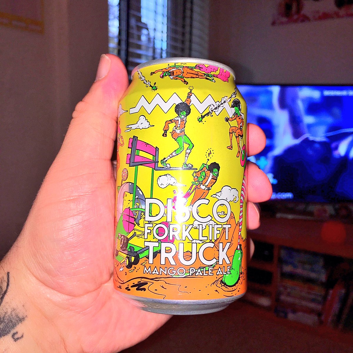 If you like #Mango try this, #DiscoForkliftTruck a mango #PaleAle from @drygate nice aroma &amp; great taste, only £1.90 at Sainsbury&#39;s <br>http://pic.twitter.com/6tSyhT5u72