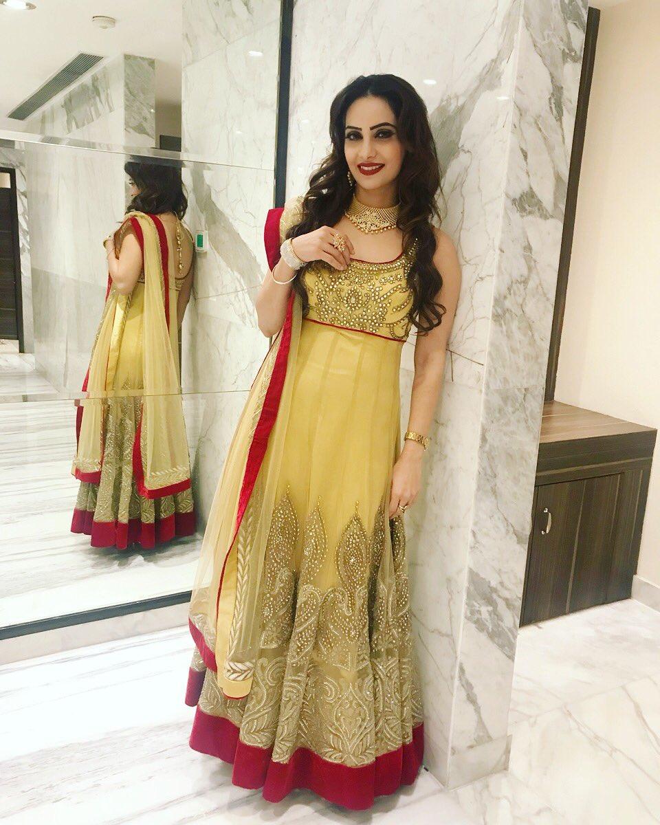 Day1  #Show #Sangeet #Function #Traditional #Look #By #SimranFashions #LajpatNagar #Jewelery #By #OmSons #LajpatNagar Thank U Sukhdev Singh Tony U R The Best<br>http://pic.twitter.com/s4C7McKaKa