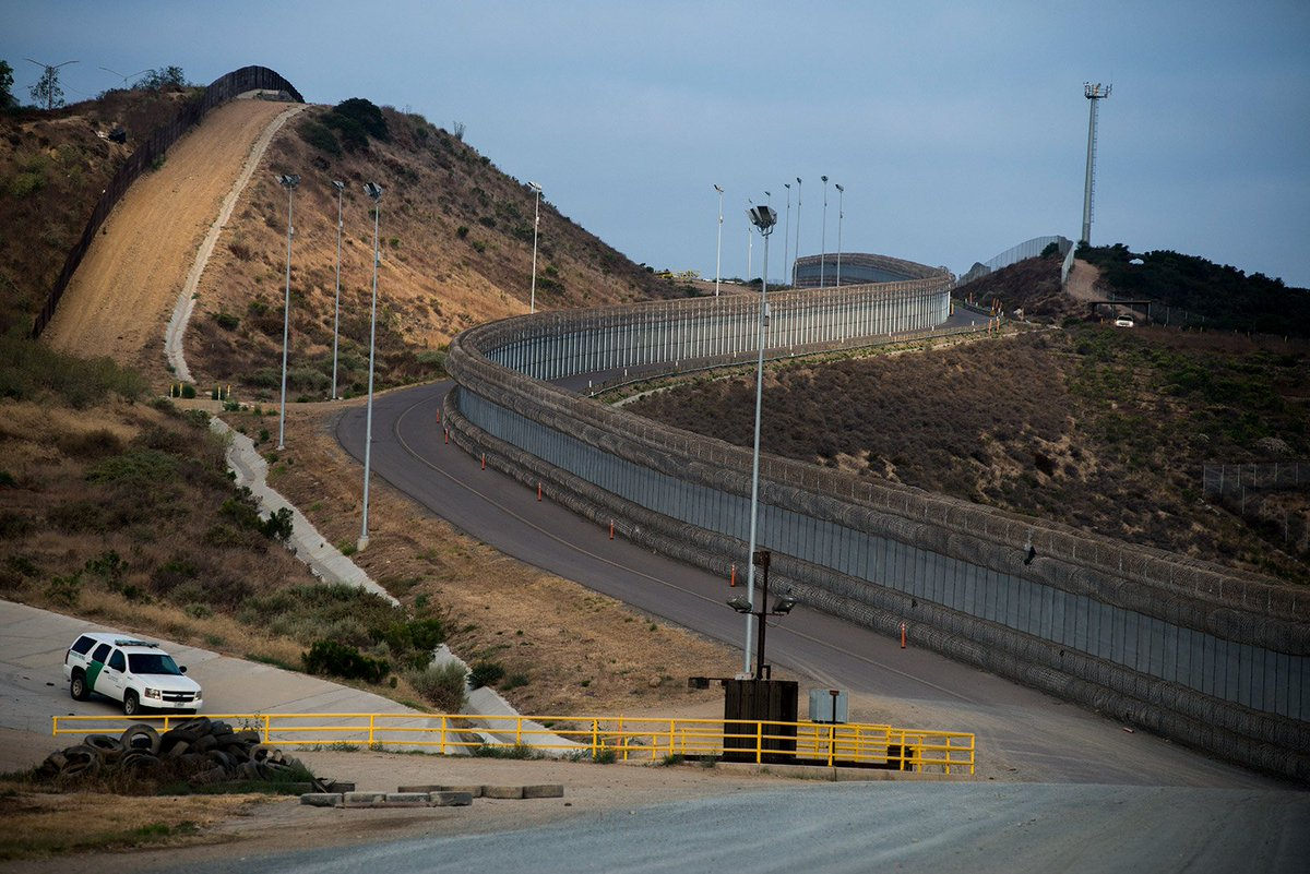 Cards Against Humanity buys land along the US-Mexico border