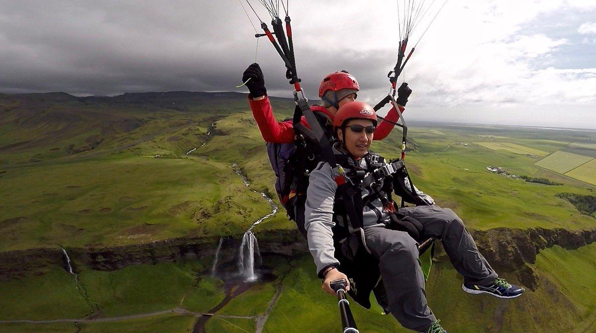 Thinking back to summer chills! #Paragliding #Waterfalls  https://t.co/38ei07W027 https://t.co/TkI121p5Cg