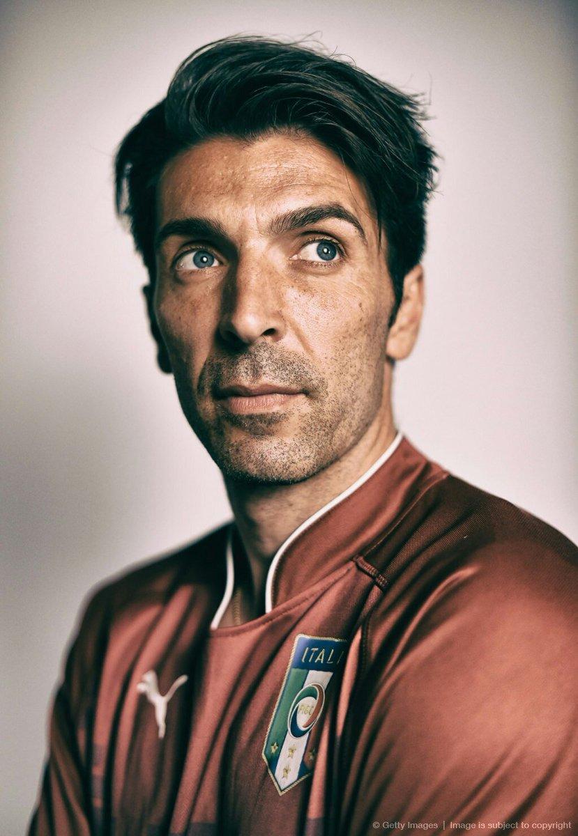 End of an era.  #Buffon #DeRossi #Italia #ITASWE #Azzurri<br>http://pic.twitter.com/qRvqvbhd0w