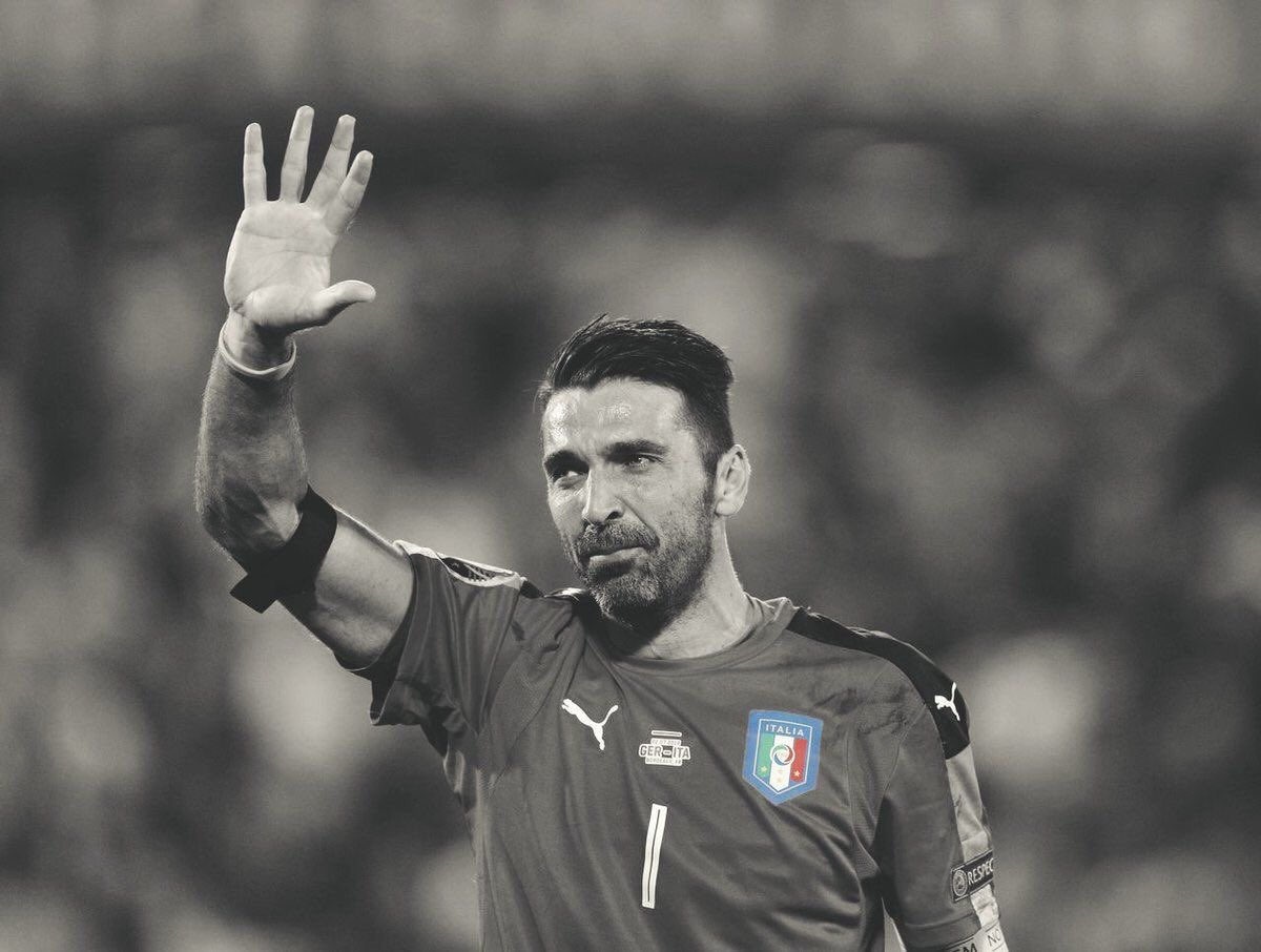 However this guy will forever be a legend #Buffon <br>http://pic.twitter.com/4uiPO5PPZv