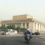 【変わった形のモスクと、北朝鮮と中国の影響実感したダカール市内】セネガルはイスラム教が多数を占めるが…