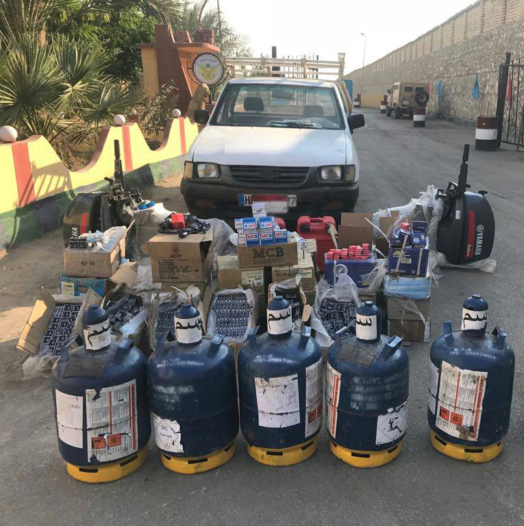 #Egypt- Chemicals, IED making materiel and other contraband seized while attempted to be smuggled into central #Sinai, along with 5 suspected militants who were arrested <br>http://pic.twitter.com/B2On6Lvimj