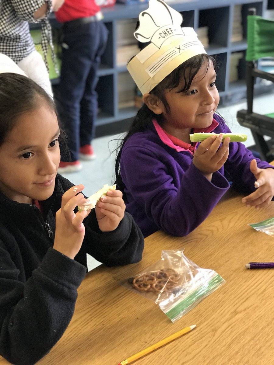 Teaching Procedural Text using Cream Cheese, Pretzels, and Raisins! We're making  Butterfly Bites. The Very Hungry Caterpillar! @Elrod_HISD @lmenster #rookie @JustTeacheyy <br>http://pic.twitter.com/n6pTSg6XKS
