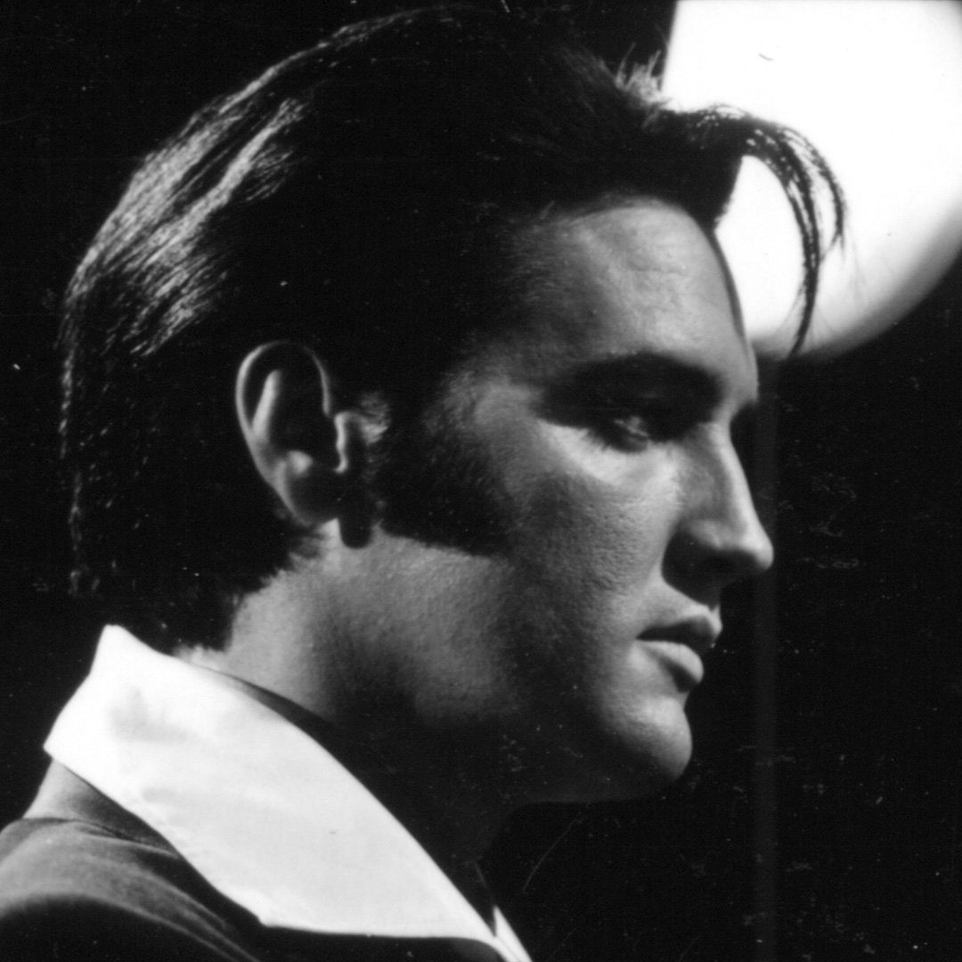 &quot;My thanks to you comes from right down here, right from the deep bottom of the happiest heart in this whole great big old world.&quot; #Elvis <br>http://pic.twitter.com/K5E3YWRrd4
