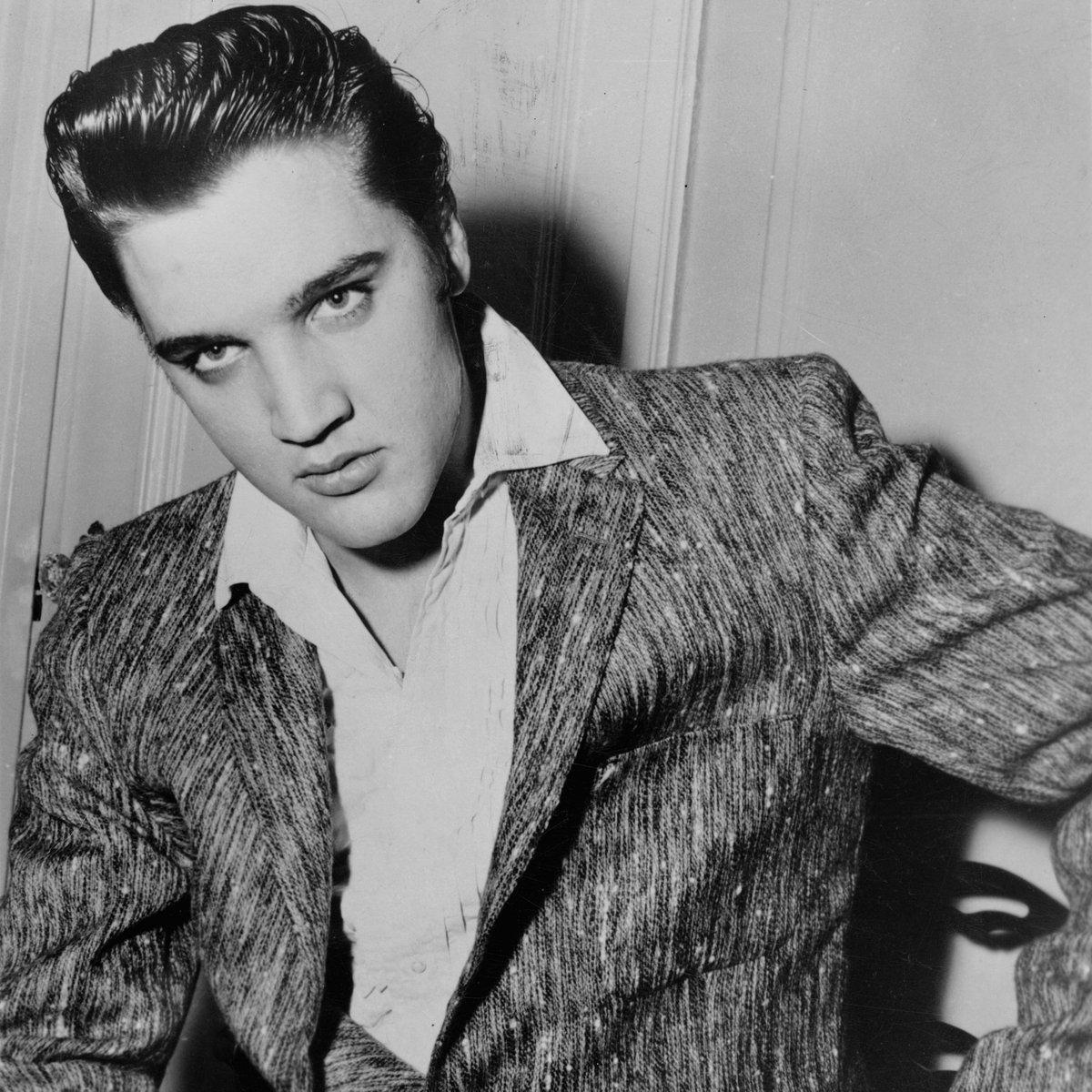 Broke the rules, then broke the records. #TheKing #Elvis <br>http://pic.twitter.com/AZ34CfNkux