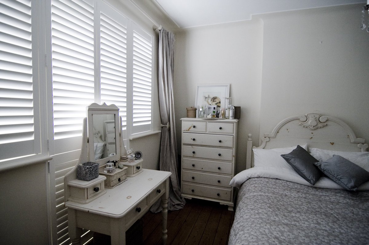 20% off hardwood shutters until the new year, order now and have them installed in the new year for a fresh look for 2018 #shutter #lewes<br>http://pic.twitter.com/6u8i3rQcCC