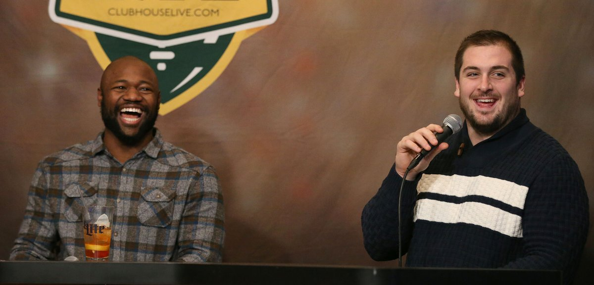 First Thanksgiving - and then Christmas. That and some football talk, too, on tonight&#39;s #Clubhouse Live. Another fun show w/ @TyMontgomery2 &amp; @Linsley71. Replay --&gt;  http:// pck.rs/2jgWAfq  &nbsp;  <br>http://pic.twitter.com/fbULTBrUbm
