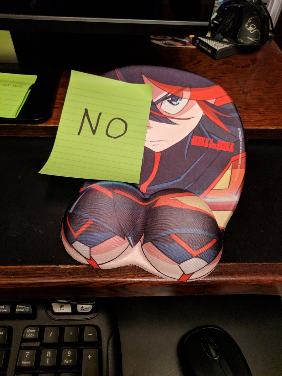 RT @Twitch_Zagar: OH FUCK I LEFT MY RYUKO TITTY MOUSEPAD AT THE FAMILY PC AND I COME BACK TO THIS https://t.co/RyaJarTvJi