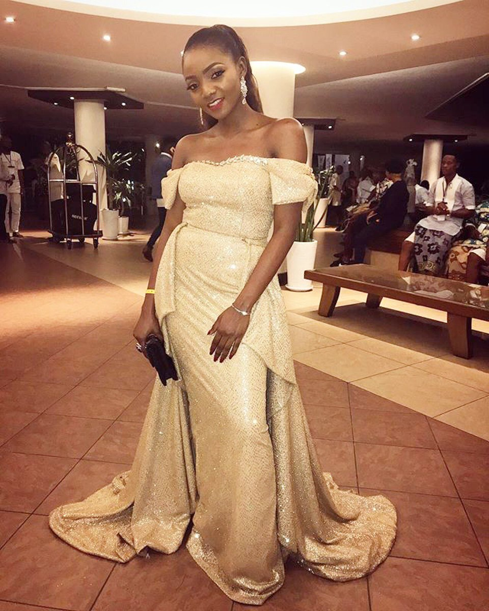 #Simi At The #AFRIMA2017 She won Song Writer Of The Year #TheTTshow #Symplysimi<br>http://pic.twitter.com/3c2sIsoCL3