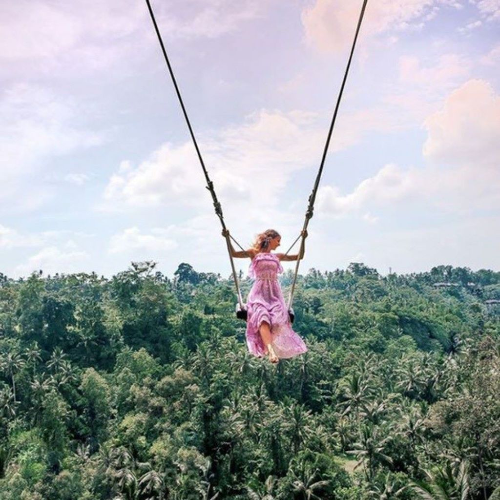 Totally blown away by this Bali swing! Credit @onelove.ourlove . . . #bali #baliswing #femmetravel #wanderlust  http:// ift.tt/2jqKH73  &nbsp;  <br>http://pic.twitter.com/NI8pibqEUr