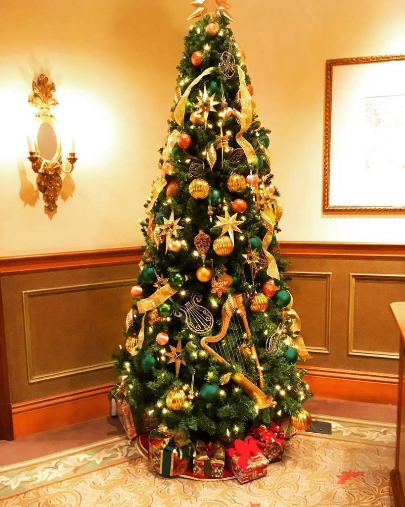 東京ディズニーシークリスマス hashtag on twitter