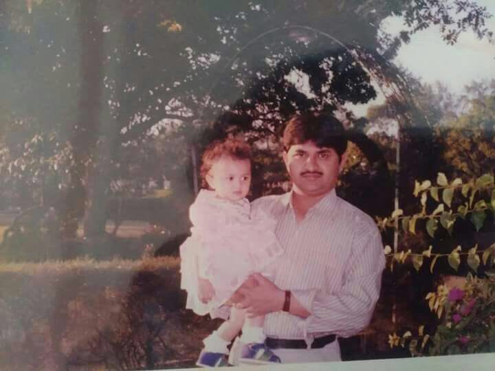 RT @hemarocking: @faasos Old memories are always wonderful! Here is my pic with my dad! https://t.co/GCQH6Fvc6v