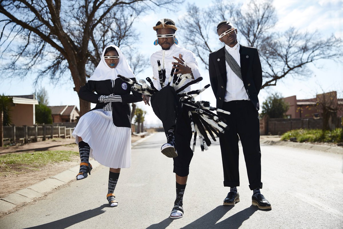 Like &amp; share to win a pair of FALKE X BOS socks.  Our heritage sock collection with @BobtheStylist and the BOYSOFSOWETO fashion collective. Or shop now online at  http://www. falke.co.za  &nbsp;  . #falkefashion #africaninspiration #heritage #mensfashion<br>http://pic.twitter.com/z7MHbpBz81