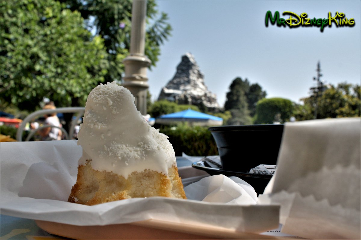 The moment when you find that perfect treat, that reminds you of your favorite attraction @DisneylandToday #DisneySide Photography Moments makes family vacations last forever #Disneyland  #DL #Matterhorn #Macaroon #Coconut #Disney<br>http://pic.twitter.com/QaF2TpcTjQ