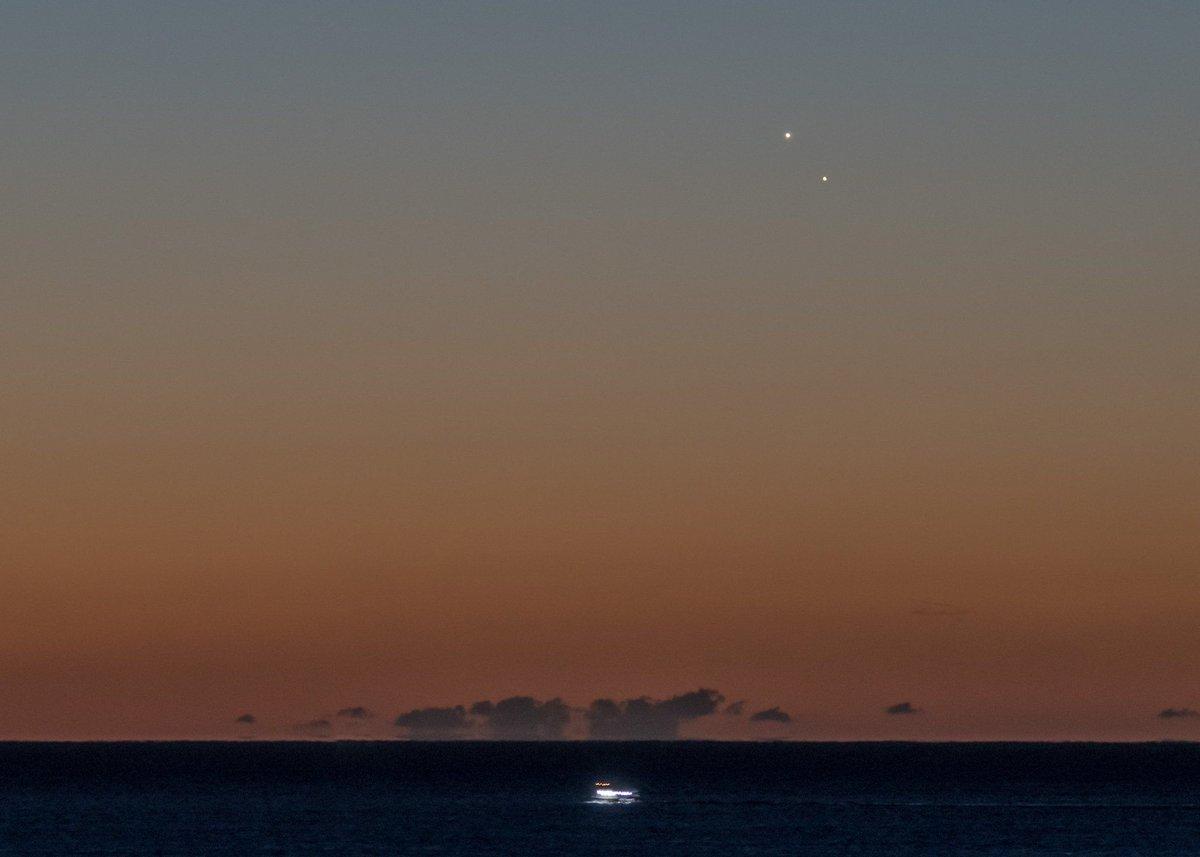 Conjonction de #Jupiter et #Venus à l'aube Éphéméride ➡️ https://t.co/Ann8s0BVpy © @tuckerspics