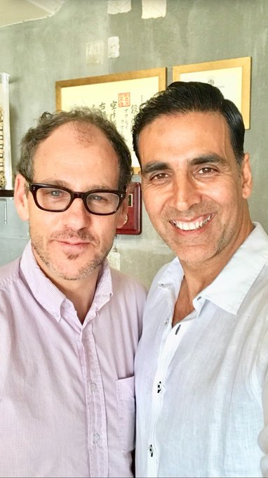 Happy to have met Sanford Panitch, President,Columbia Pictures,SPE & glad to partner with @SonyPicsIndia as they join on the incredible journey of @PadmanTheFilm & introduce a real superhero to the world on 26th Jan,2018 @sonamakapoor @radhika_apte @mrsfunnybones #RBalki @kriarj https://t.co/RrtirJFe0Q