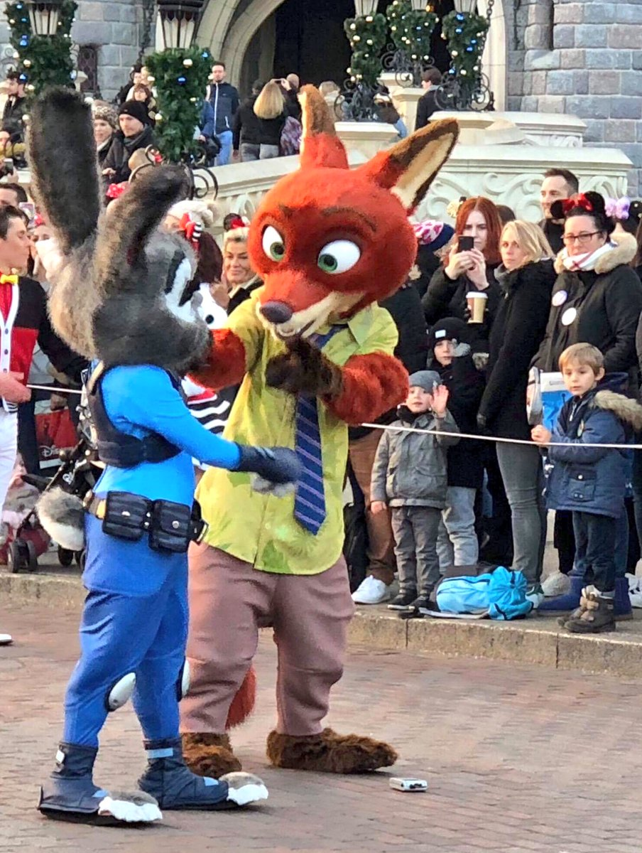 🗓 It's Tuesday Guest Star Day! This week, Disneyland Paris welcomes back: Nick and Judy from Zootopia!