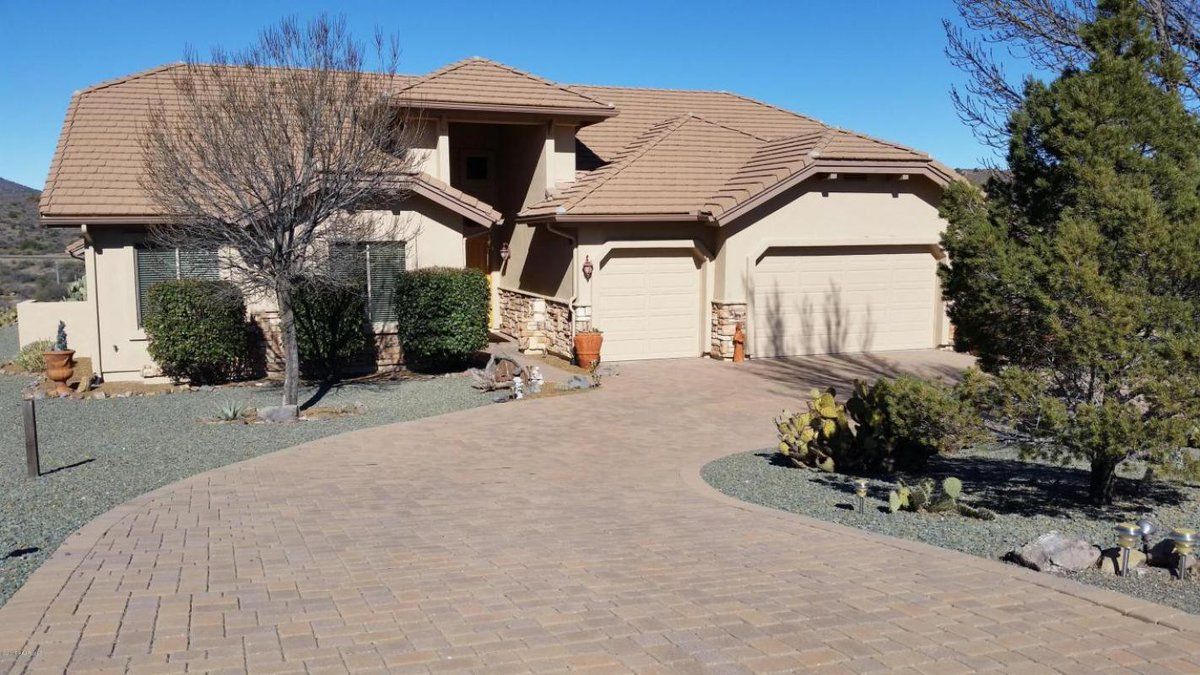 Check out our #listing in #Mayer #AZ  #realestate #realtor  http:// tour.circlepix.com/home/NFX4ZY    pic.twitter.com/pAWX9dB1tB