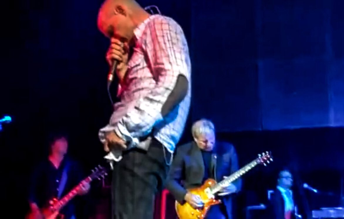 &quot;Happy hour, happy hour Happy hour is here&quot; #MusicLovers #TuesdayTreat - #AlexLifeson #Rush guitarist plays w/ #TheHIP #ThrowbackTuesday 2009   &quot;TheLastRecluse&quot; &amp; &quot;LittleBones&quot;  &gt; https:// youtu.be/2MhJqh97QlU  &nbsp;  &lt;<br>http://pic.twitter.com/fpWZVc0nNr