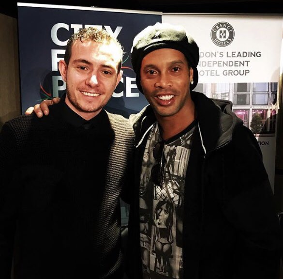 Look at my stepsons face!!! @Lewis_Townley with @10Ronaldinho ❤️❤️ https://t.co/0icfAimpHw