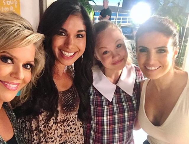Marilyn, Raffy &amp; Leah with new girl Willow  #HomeandAway #sarahroberts #behindthescenes<br>http://pic.twitter.com/Sgckzhnp1a