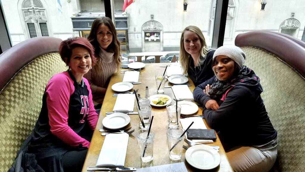 When #CLE comes to #CHI  @TMobile  #WLN #NCredible #OperateWithPurpose<br>http://pic.twitter.com/xQdZioJdEV &ndash; à Grand Lux Café