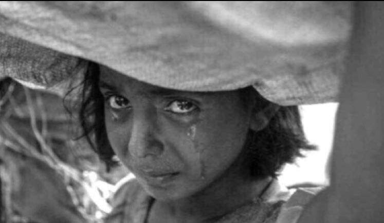 ولا اقسى من ظروف الزمن والشقى والشين سوى العبرّه اللي تذبحك في طرف دمعة ..