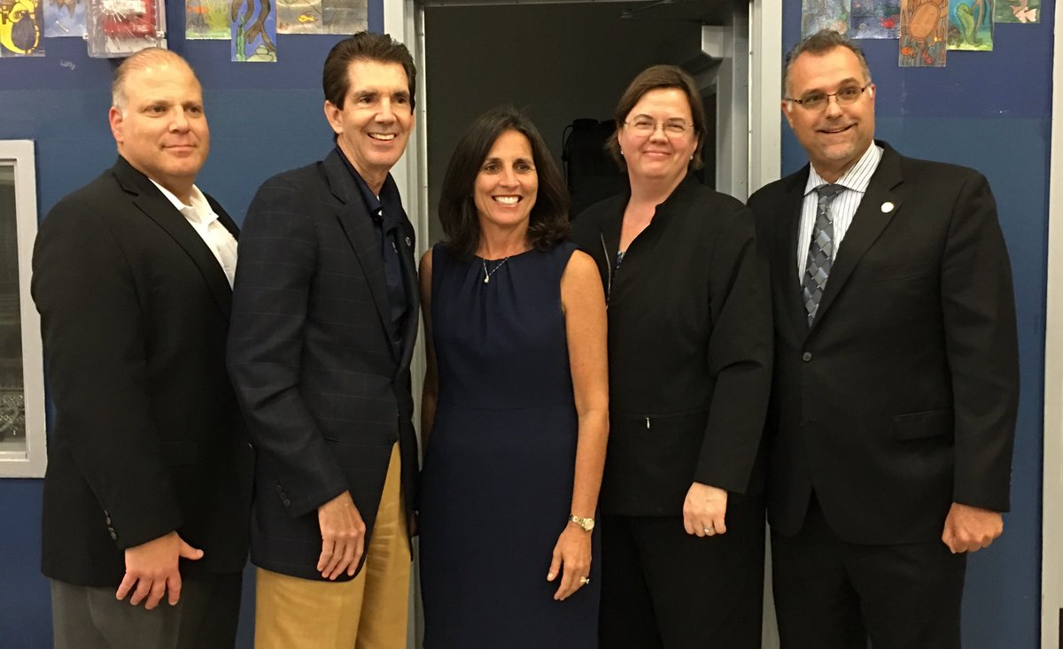 ATM Feeder Pattern of Excellence #Expo2017 #InspiringExcellence @atmsenior @AlayonSally @MiamiSup<br>http://pic.twitter.com/QsK1y1bEGc