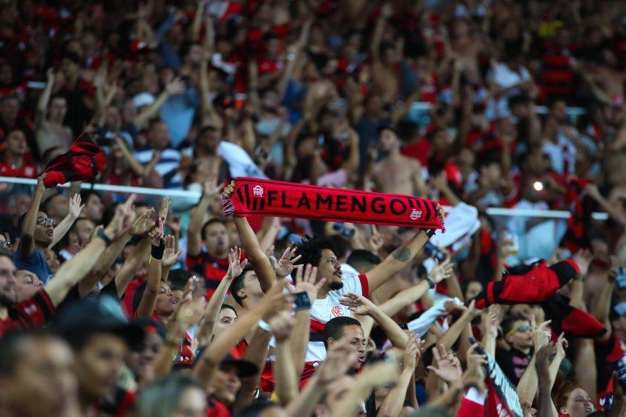 122 anos do Maior Espetáculo da Terra envergando bandeiras, esticando faixas e gritando a plenos pulmões em todas as arquibancadas. Parabéns, Flamengo. #Fla122
