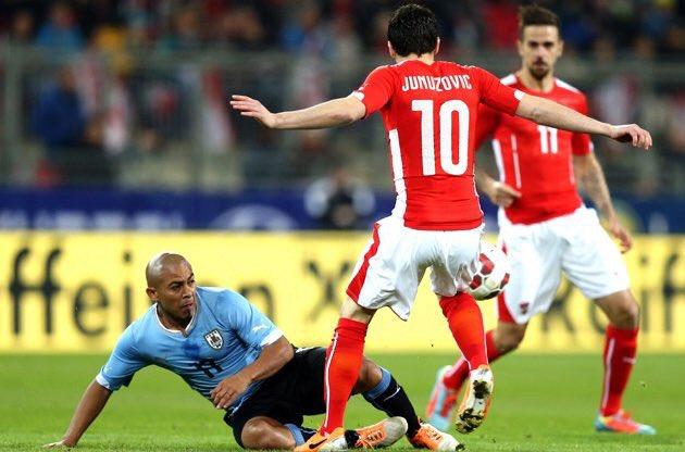 Video: Áo vs Uruguay