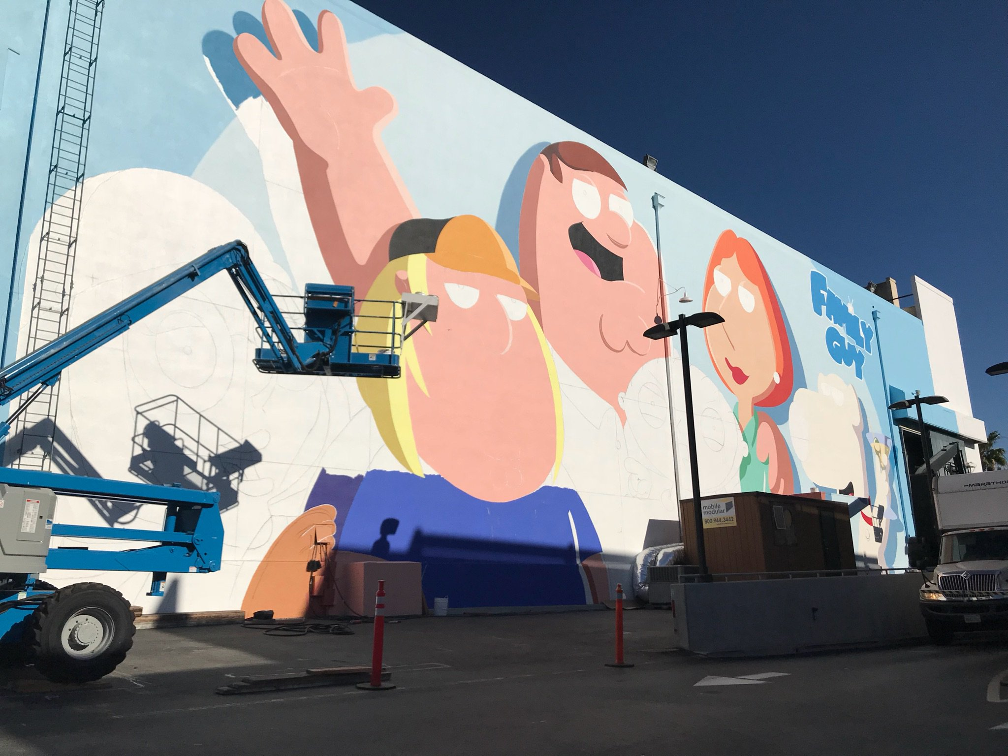 Finally gettin our mural on the Fox lot https://t.co/qQVaiurjpK