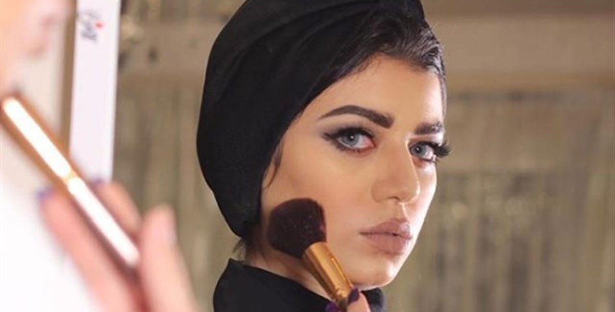 طلاق مصممة الأزياء السعودية #نجلاء_عبدالعزيز يثير التساؤلات (فيديو) https://t.co/oDaqtXpr53 #إرم_نيوز https://t.co/rDGqH5220L