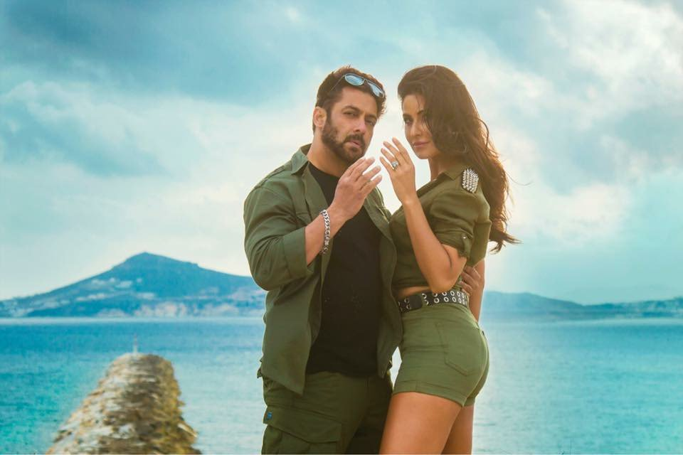 Tiger &amp; Zoya are back after 5 years, with oodles of #Swag @BeingSalmanKhan | #KatrinaKaif | @aliabbaszafar | @TigerZindaHai | @yrf<br>http://pic.twitter.com/LsSMPuZpI0