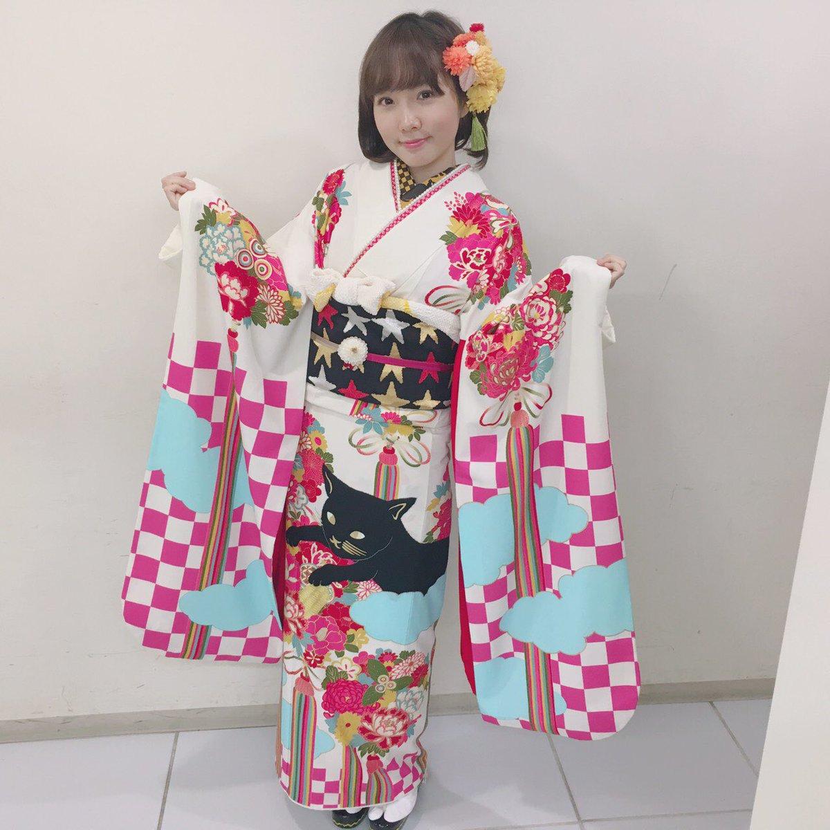 晴れ着♡猫に小判の柄と、帯の⭐️がお気に入り♡ #ふりふ #三松 pic.twitter.com/l0kd1LvVTv