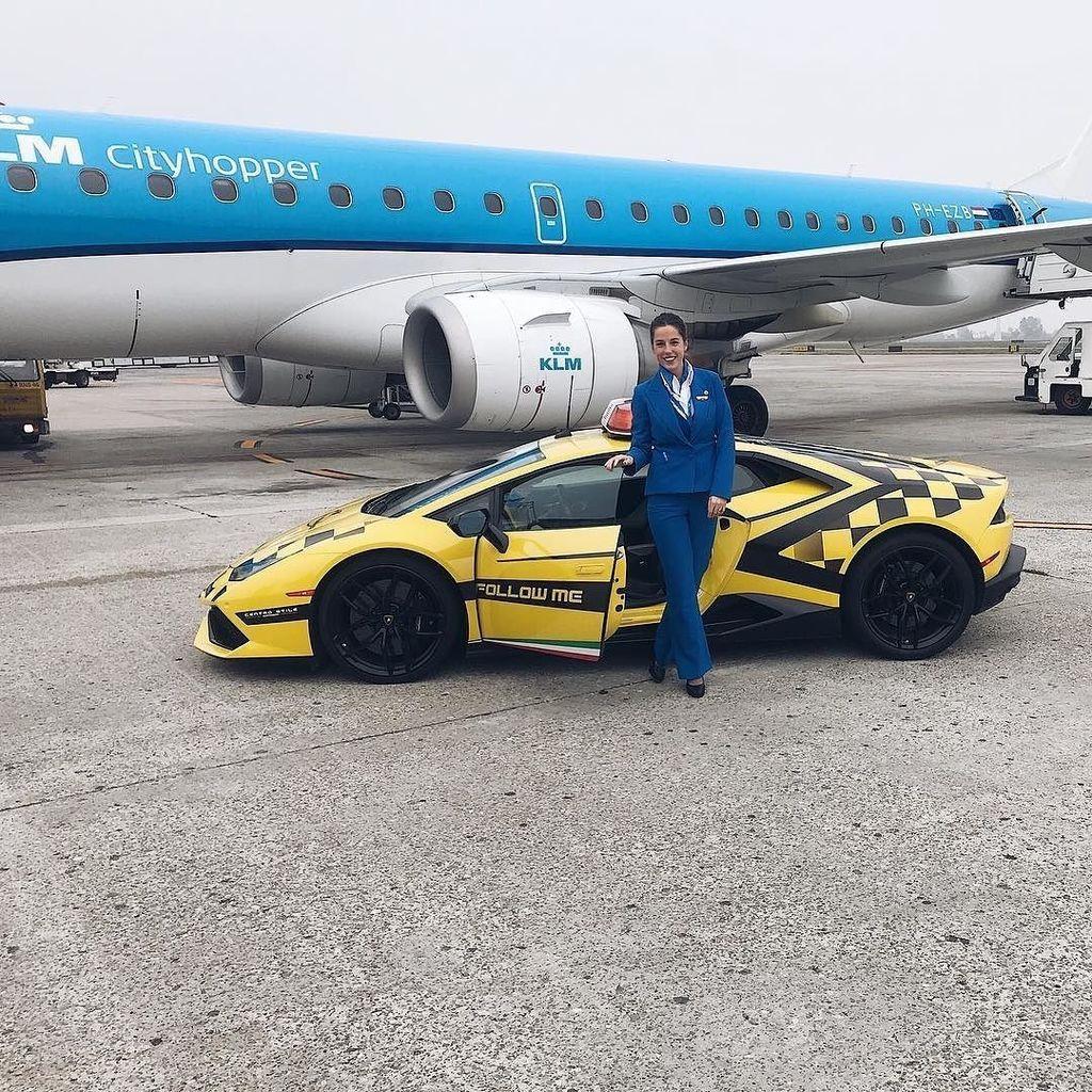 From  http:// bit.ly/2t8odLw  &nbsp;   Shotgun!  #crewiser #instacrewiser #crewlife #airhostess #flightattendantlife #aviation #cabincrewlife #avg… <br>http://pic.twitter.com/h1XMzxWlYO