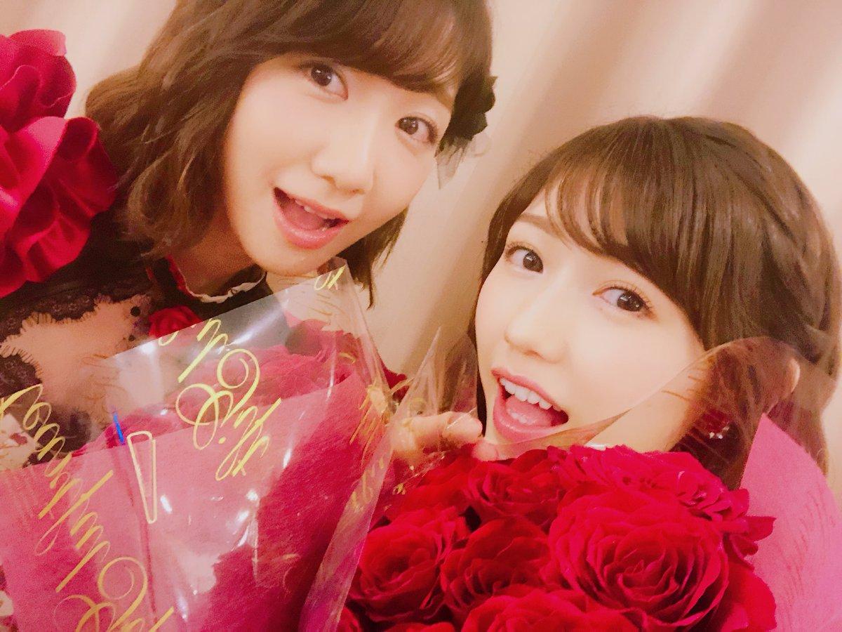 #ベストヒット歌謡祭 まゆゆにサプライズで花束を☺️🌹 11本の薔薇は「11年間お疲れ様😌」の想い。…