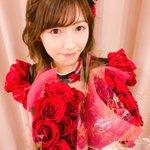 #ベストヒット歌謡祭まゆゆにサプライズで花束を☺️🌹11本の薔薇は「11年間お疲れ様😌」の想い。そし…