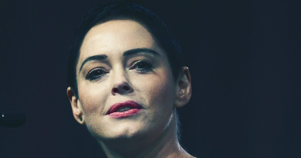 """Join 10 people right now at """"Rose McGowan Turned Herself in For Drug Possession"""" #cheers #fashion #possession #herself #mcgowan #turned #thecut #drug #rose  http:// cheers.ws/ZR2sB?utm_sour ce=dlvr.it&utm_medium=twitter  … pic.twitter.com/M3M0xNpNkh"""