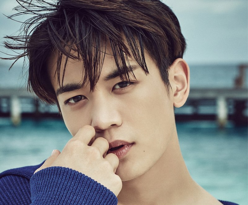 RT @soompi: #SHINee's Minho Placed On Vogue's List For Sexiest Men Alive https://t.co/oqXc81uXrC https://t.co/0c6BFuQLkA