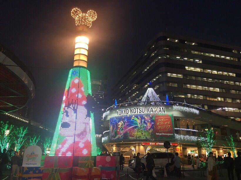 【JR有楽町駅前広場に登場】 この冬限定の新キャッスルプロジェクション 「 #ディズニーギフトオブク…