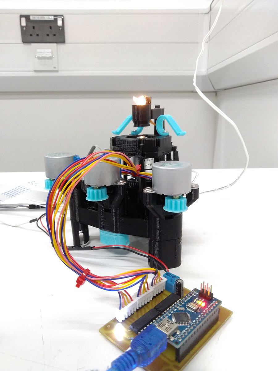 I&#39;m looking for a PhD student!  If you&#39;re excited about doing #openscience, building #openhardware and #3DPrinting at the @UniofBathSci where @adrianbowyer released the @RepRapLtd, get in touch! (funding for home/EU students)  https://www. findaphd.com/search/Project Details.aspx?PJID=91524 &nbsp; … <br>http://pic.twitter.com/cMGEUh9b0z