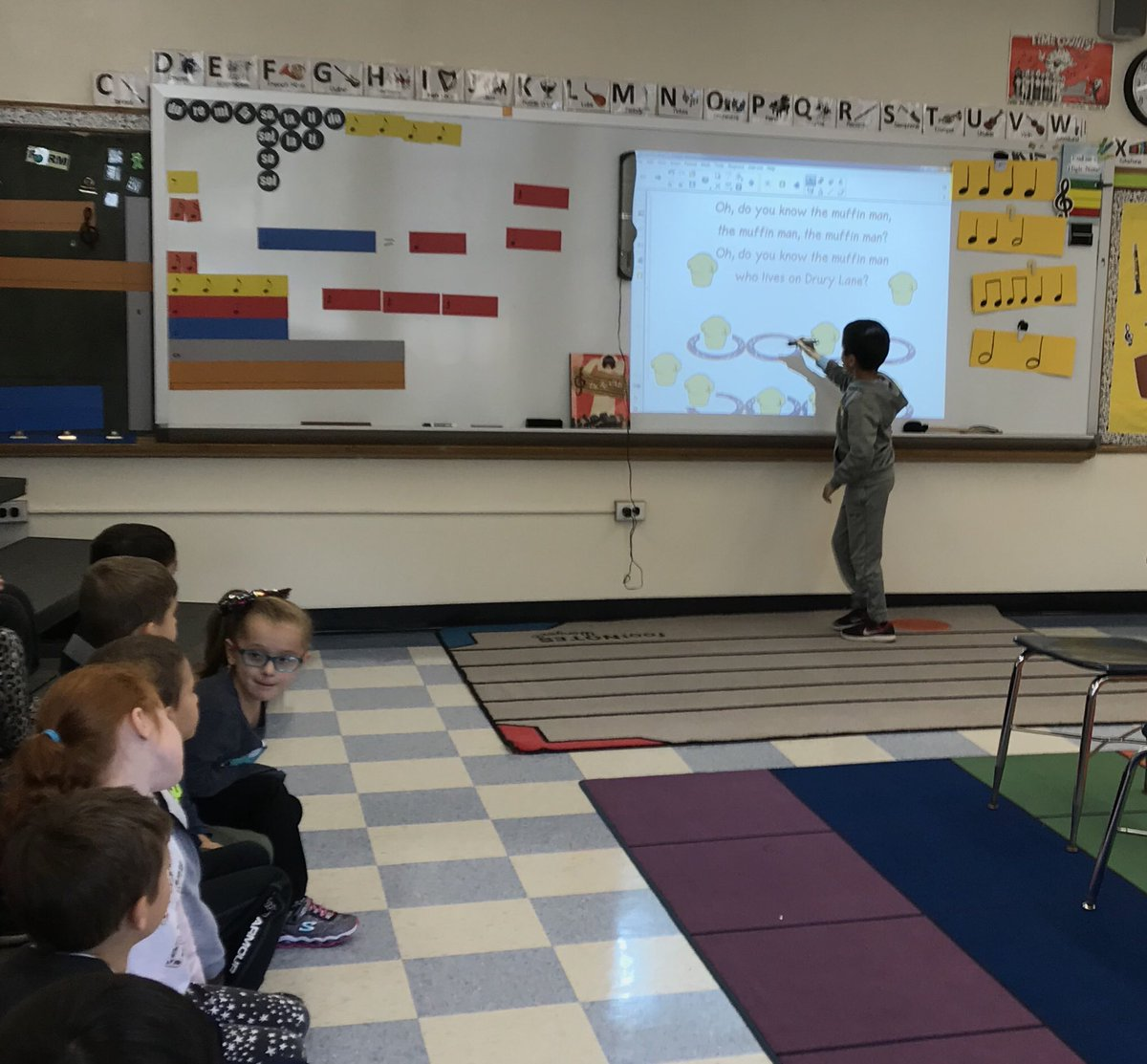 Do you know the muffin man?  1st grade composes and leads the class in performing new rhythms. #musiced #elementarymusic #musicclass #magicpen @NorthSideEW<br>http://pic.twitter.com/tsrUz8m1Ps