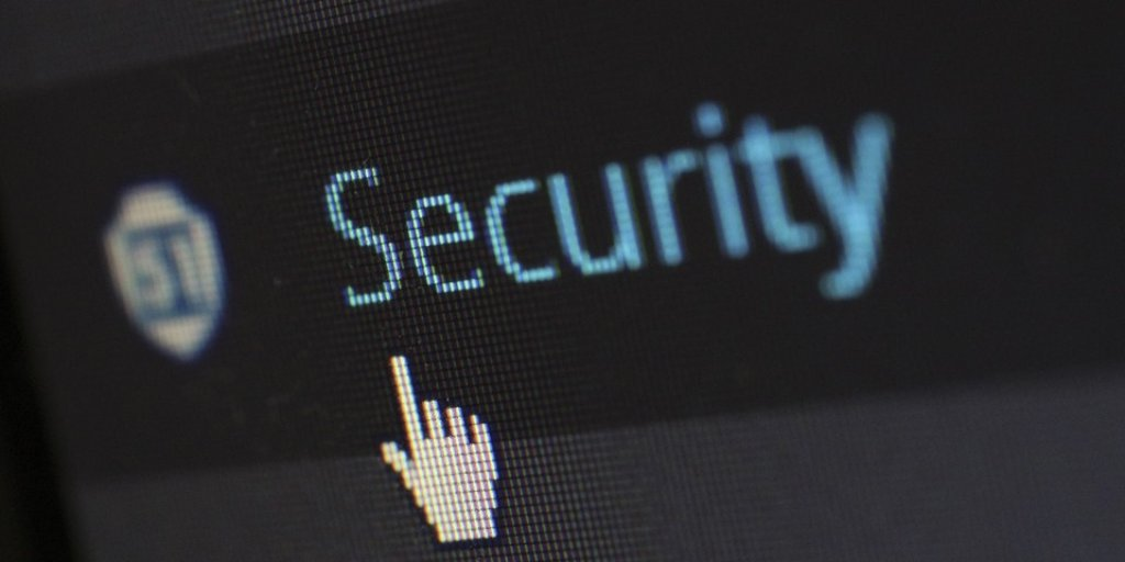 We can supply #AVG's cloudcare centrally managed antivirus service, on a monthly, quarterly, annual &amp; 2 year licence  http:// bit.ly/2rHtqWE  &nbsp;  <br>http://pic.twitter.com/jd9MpwzHzf