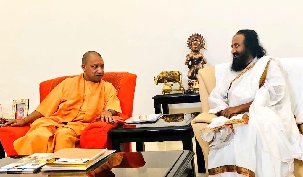 Met with Hon. CM @myogiadityanath. His efforts to address caste conflict, corruption & farmer issues are laudable.