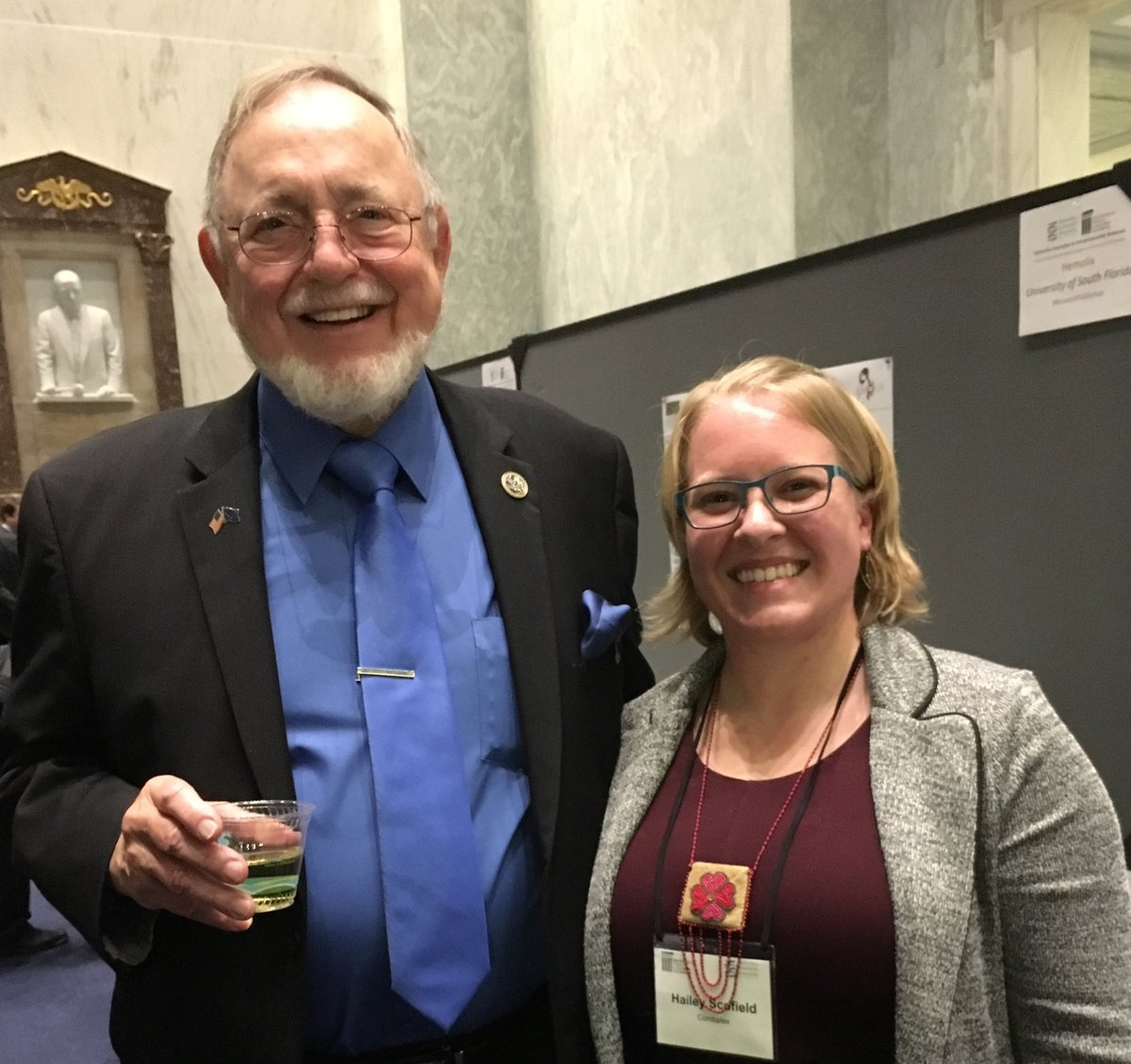 Thanks @repdonyoung for stopping by @BeeCombplex to talk about bee health w/AK native & @Cornell grad student/entrepreneur Hailey Scofield.