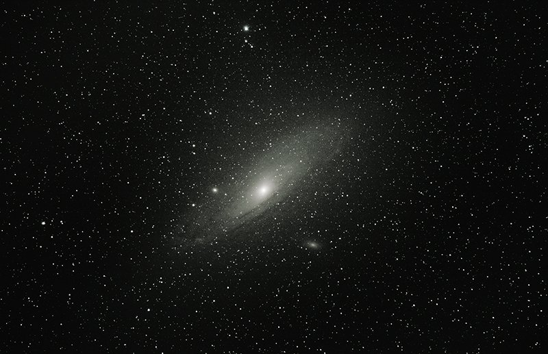 &quot;With just a DSLR, a zoom #lens and a decent tracking mount, I photographed the #Andromeda #Galaxy No...&quot; #space #cosmos #nasa #universe<br>http://pic.twitter.com/rlazELjk8p