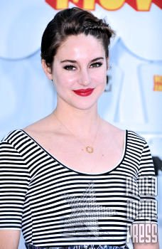 Happy Birthday Wishes going out to Shailene Woodley!!!