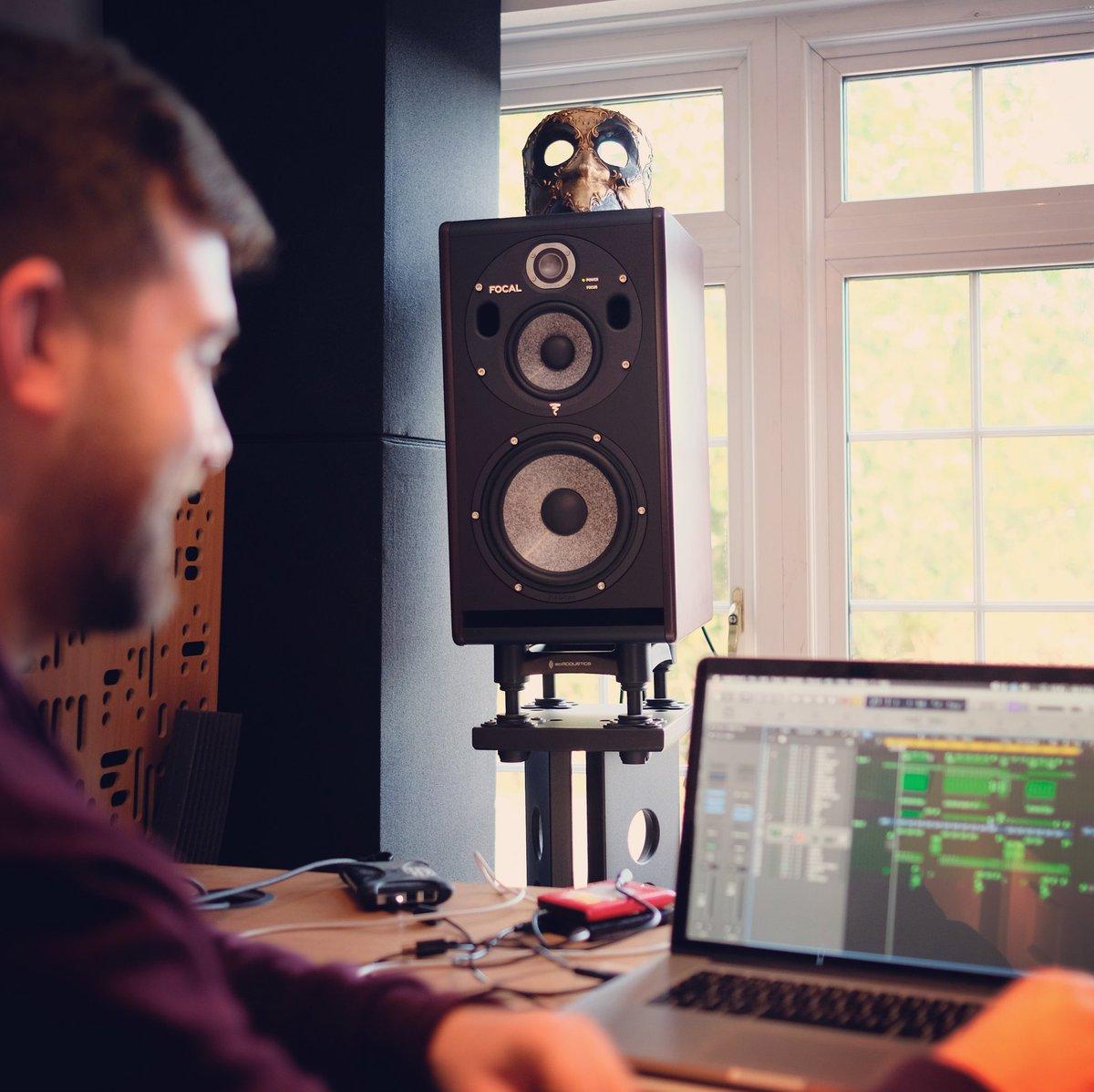 hook up studio